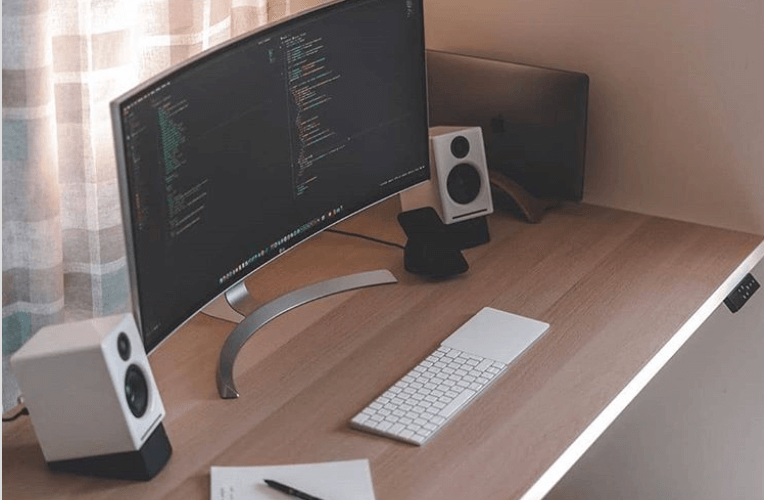 monitor curvo para programar